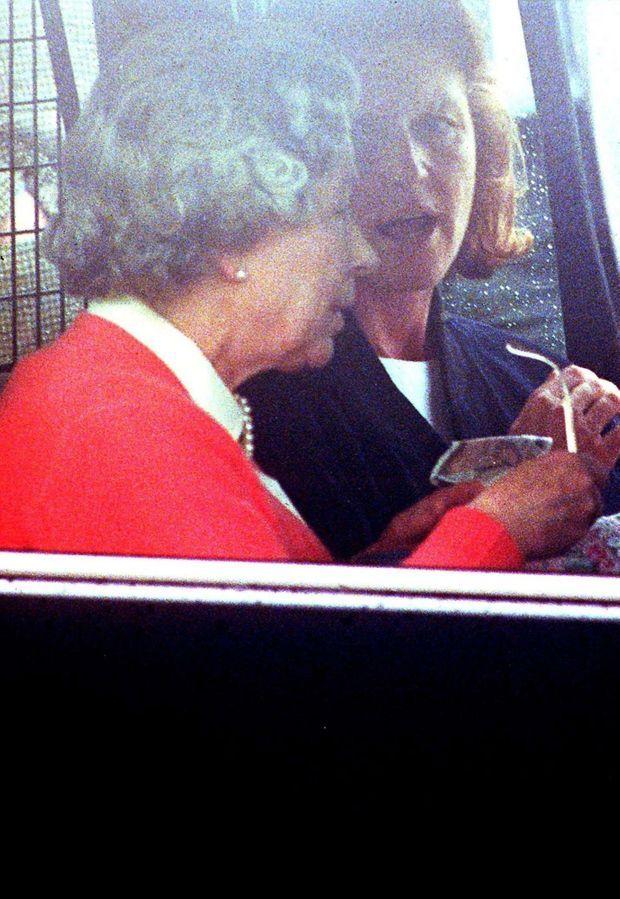 Sarah Ferguson et la reine Elizabeth en janvier 1996.