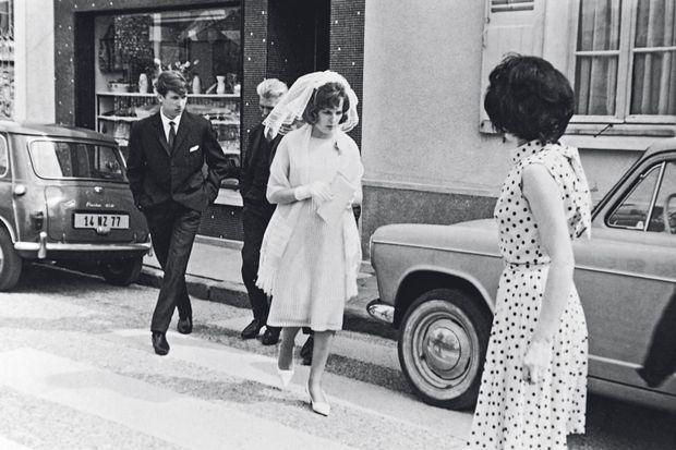 En juin 1965, Jacqueline, 17 ans, épouse Norbert Marot à Blandy-les-Tours. Après sa mort, elle reprendra son nom de jeune fille.