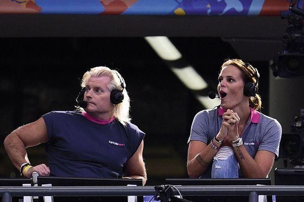 Sa sœur Laure exulte. Elle est consultante pour France 2, avec Philippe Lucas, son ancien entraîneur.