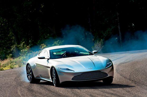 L'Aston Martin DB10 a été conçue spécialement pour le nouvel épisode de James Bond. Elle n'a pas vocation à être commercialisée.