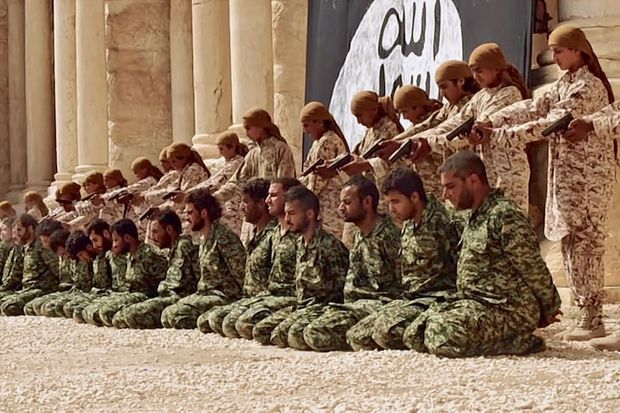 Les soldats du régime sont abattus de dos, d'une balle dans la tête à bout portant.