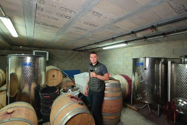 René Milan est adepte du « vin de garage », produit en petite quantité, à partir de raisins récoltés manuellement.