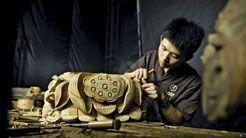 La crème des artisans, encore détenteurs du savoir-faire, ont œuvré à restaurer charpentes et sculptures.