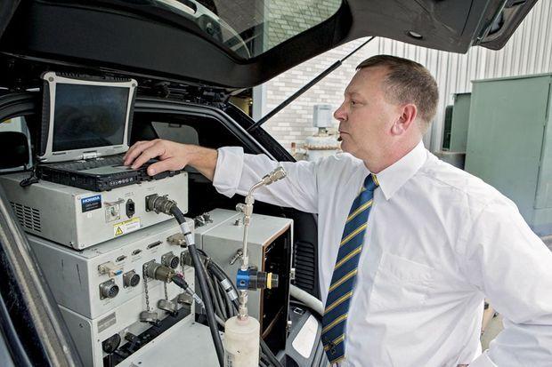 Daniel Carder, spécialiste de la pollution à l'université de Virginie-Occidentale (Etats-Unis), a fourni les premières preuves de la fraude sur les voitures Volkswagen.