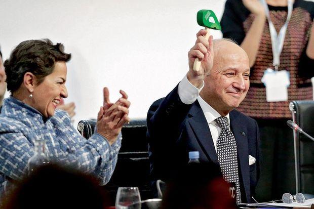 19 h 26 : un accord est trouvé. Le coup de marteau sous les applaudissements de Christiana Figueres.
