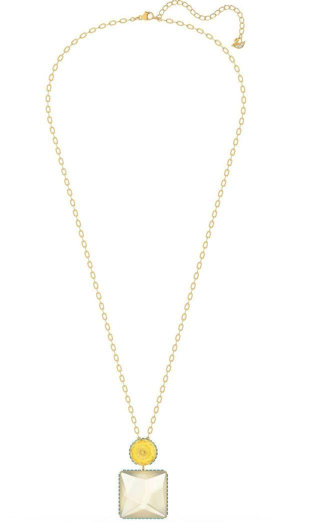 Collier Orbita, cristal taille carré muticolore et métal doré, Swarovski, 179 euros.