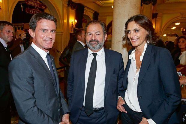 Manuel Valls, entouré de Denis Olivennes et Inès de la Fressange.