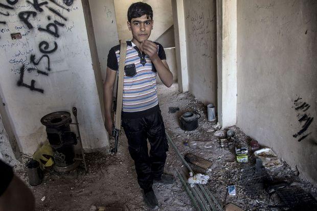 Abou Salim, une recrue de 15 ans, à Kefreh Hamah, le 19 mai 2016.