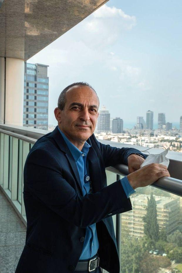 Le professeur Ronni Gamzu, coordinateur de la gestion gouvernementale pendant une partie de la pandémie, à l'hôpital Ichilov de Tel-Aviv.