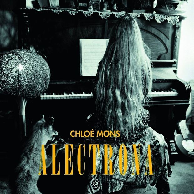 """""""Alectrona"""", le titre de son nouvel album, est un hommage à la déesse grecque du matin."""