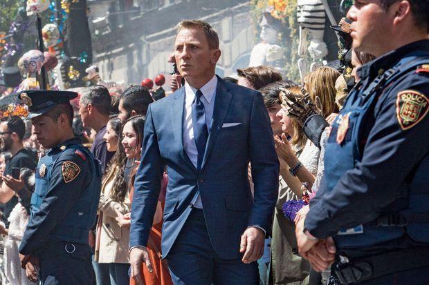 Daniel Craig, dans une des premières scènes du film, à Mexico.