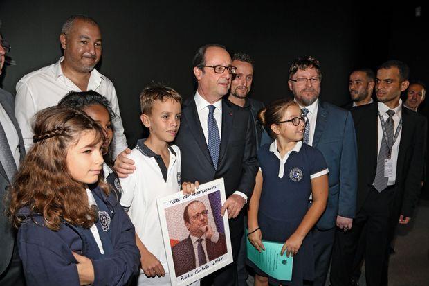 Le président rencontre la communauté française au Centre d'art et de culture Manarat Al-Saadiyat.