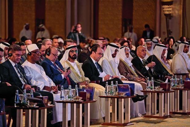 Lors de la Conférence internationale sur la protection du patrimoine culturel en péril à l'hôtel Emirates Palace d'Abu Dhabi, samedi 3 décembre. A sa gauche : le cheikh Mohammed ben Zayed Al-Nahyan, prince héritier.
