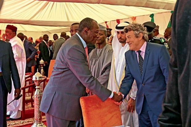 Juste avant son discours, retrouvailles avec Alpha Condé, président de la Guinée, un « frère » pour Jean-Louis Borloo.