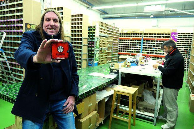 Dans son entreprise de Grenade, d'où Thomas Duchêne expédie graines et accessoires dans 35 pays.
