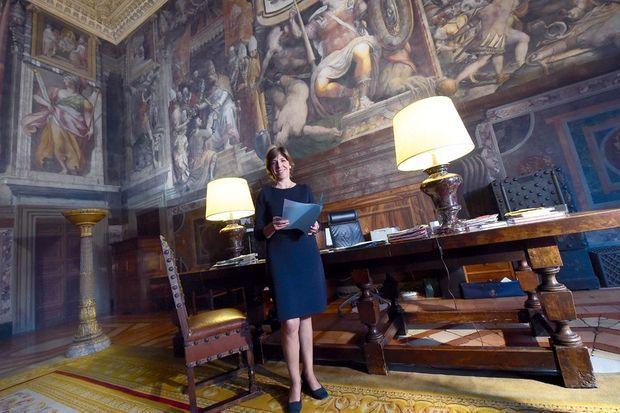 Mme Colonna, l'ambassadrice de France à Rome.