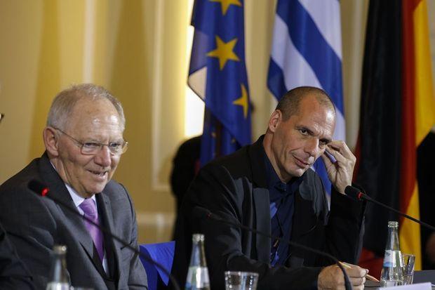 Le ministre allemand des Finances Wolfgang Schäuble et son homologue grec Yanis Varoufakis, le 5 février à Berlin.