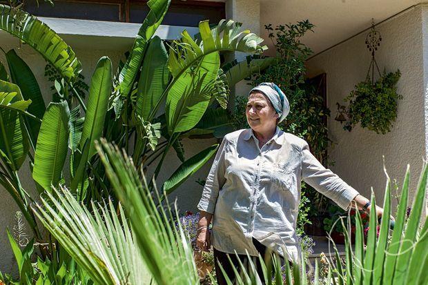 Dans le clan des « durs », Daniella Weiss qui revendique les colonies et refuse le dialogue.