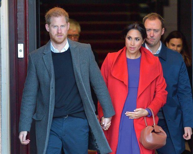 Avec Harry à Birkenhead en janvier 2019, quatre mois avant la naissance d'Archie.
