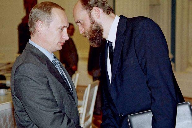 Il y a quinze ans, l'homme d'affaires était l'intime de Vladimir Poutine.