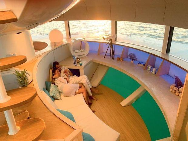 299 000 euros. La capsule entièrement meublée commandée par les hôtels de luxe.