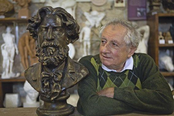 Michel Lorenzi, mouleur statuaire.