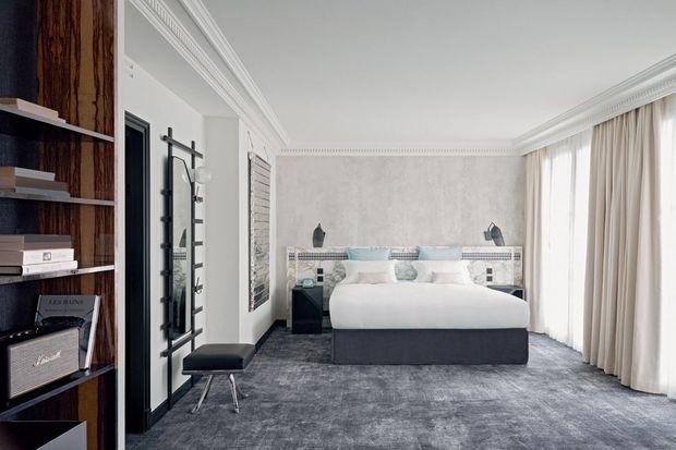Une chambre de l'hôtel 5 étoiles dont les prix varient de 490 à 2 900 euros.