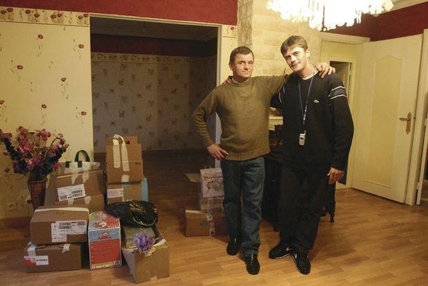 Daniel Legrand et son fils Daniel, à droite, acquittés tous les deux le 1er décembre 2005.