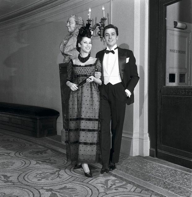 Avec Alain Delon pour la première de la Callas à l'Opéra de Paris, le 19 décembre 1958.