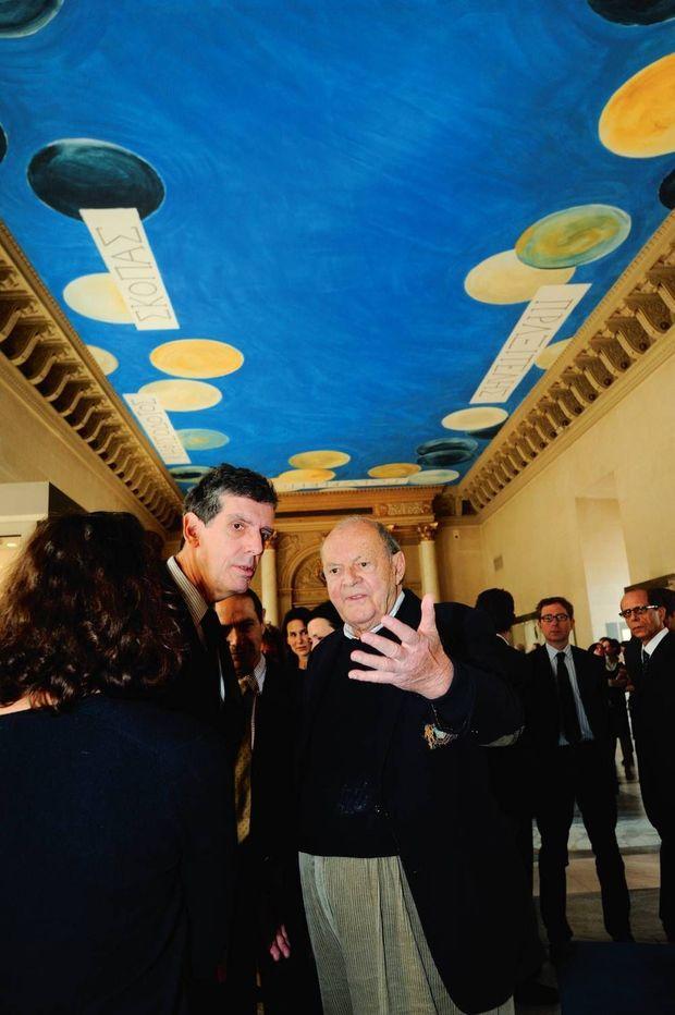 Avec Cy Twombly, en 2010. L'artiste américain a peint pour le Louvre le plafond de la salle des bronzes.