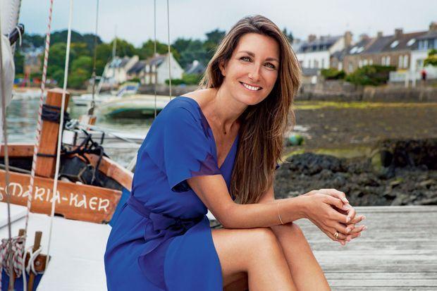 Anne-Claire Coudray pose pour Paris Match.