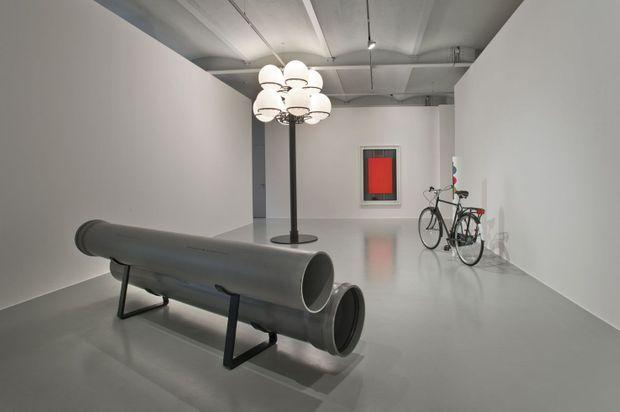 Vue de l'exposition « Optische Enttäuschung », 2012, galerie Mehdi Chouakri, Berlin.