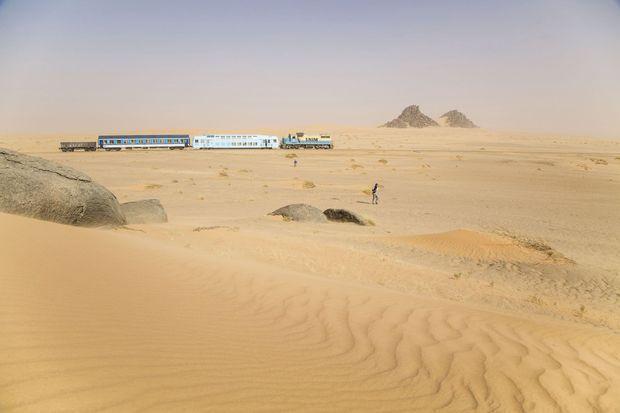 La ville de Choum, près de Chinguetti, est le point de départ de ce train touristique qui circule sur la voie ferrée Zouerate-Nouadhibou. Il permet de se rendre au village de Ben Amira.