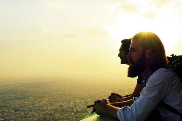 Jour 24 Téhéran. Nos deux héros en haut de la Milad Tower