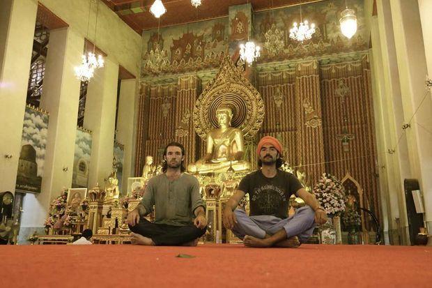 Jour 45 Bangkok, dans un temple bouddhique.
