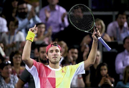 le 19 septembre, il remporte le Moselle Open, premier titre sur le circuit.
