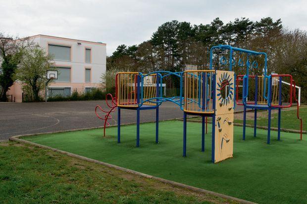La cour de récréation de l'école du Mas-de-la-Raz, à Villefontaine, que Romain Farina dirigeait depuis la rentrée 2014.