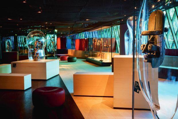 L'exposition permanente de la collection et sa scénographie signée Jean Nouvel.