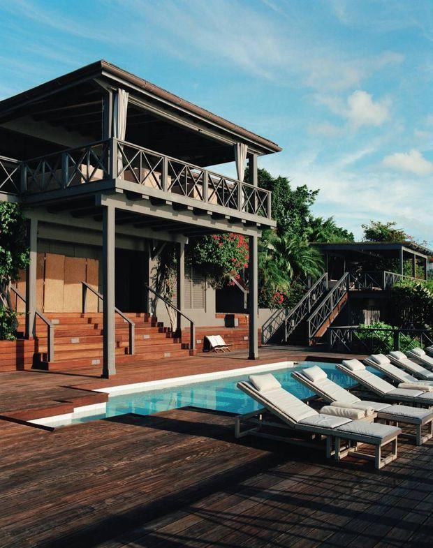 Les villas et les terrasses donnent directement sur la mer.