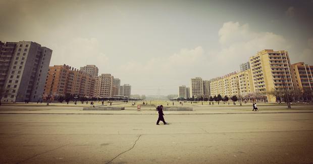 Pas d'embouteillage dans la capitale, les larges avenues ne sont fréquentées que par les piétons.