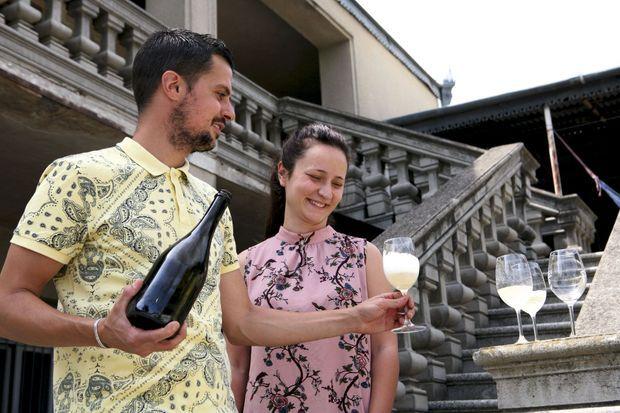 Bastien Warskotte, viticulteur champenois, a trouvé ici sa nouvelle terre promise. Avec Nino, son épouse géorgienne, il produit un vin pétillant très prometteur.