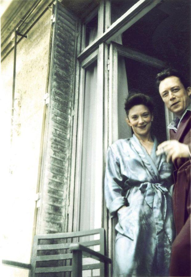 """Avec Maria Casarès, rencontrée en 1944 et qu'il appelle """"l'Unique"""". Leur histoire ira de ruptures en retrouvailles."""