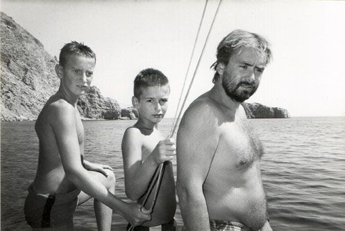 Gregory Forstner (en bas à g.) revenait lui aussi à Amorgos pour la première fois.