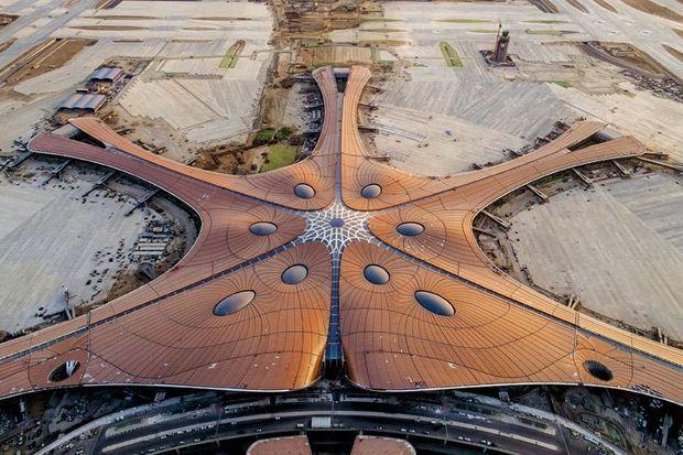 100 millions de passagers transitent par cet aéroport.