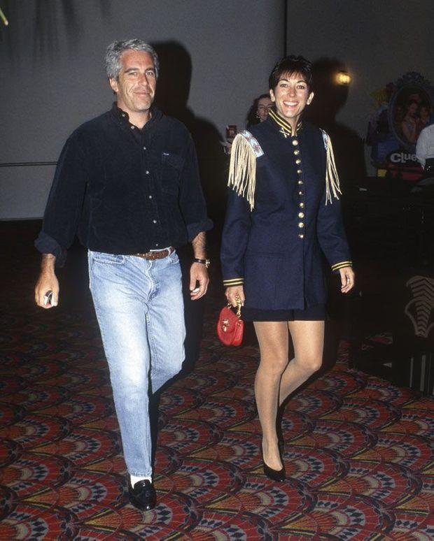 En 1995 à New York pour la projection du film « Batman Forever ». A cette époque, le duo Jeffrey-Ghislaine sillonne le monde et fréquente le gotha.