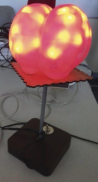 Ce «cerveau» permet de visualiser les zones en activité chez les personnes équipées d'un casque Emotiv (DR).