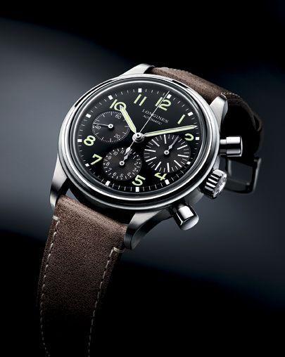 Avigation BigEye en acier, mouvement chronographe automatique. Longines, 2 530 €.