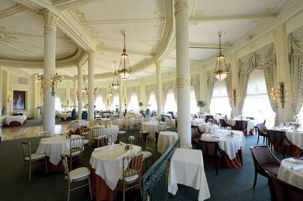 Pour honorer ce rendez-vous historique, un dîner de gala est organisé samedi 24 août au restaurant Villa Eugénie.