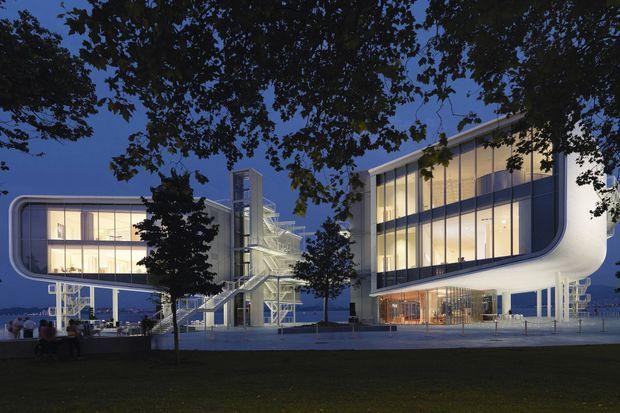 Le bâtiment, dessiné par Renzo Piano, a ouvert en juin 2017.