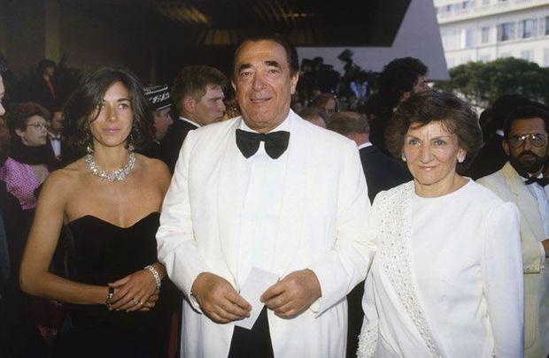A 25 ans, près de son père, Robert, l'époque des paillettes et des jours heureux au Festival de Cannes, en 1987. La mère de Ghislaine, Elisabeth (à droite), née en France, a étudié à la Sorbonne. Elle suivra son mari en Angleterre.